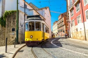Sporvogn i Lissabons stejle gader